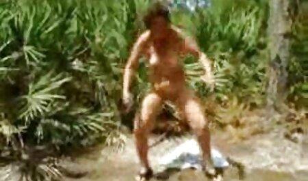 Los sexso anal casero soldados se apresuraron al baño de la enfermera
