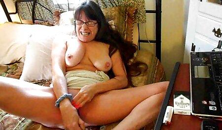 Rubia obtener el sombrero para un sexo casero natural sexo máquina en un sombrero