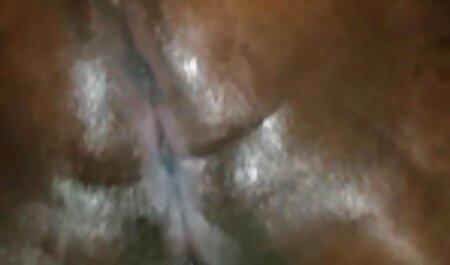 Asiático ojo negro muñeca con el video porno casero real pan en el coño peludo