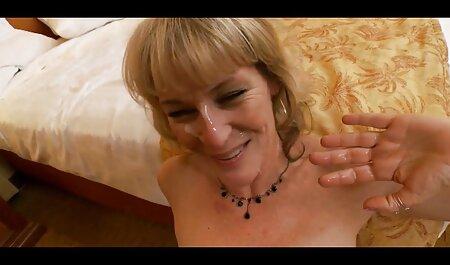 El sexo real casero xxx masajista, una chica de pelo castaño aceitada en este lugar