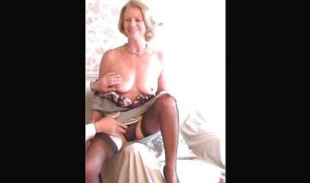Ella tira duro en todos los videos caseros sex agujeros