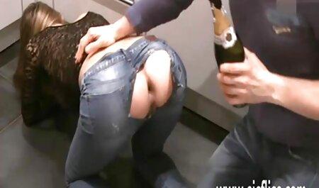 La chica que parece piernas casero anal bonitas delante del taxista