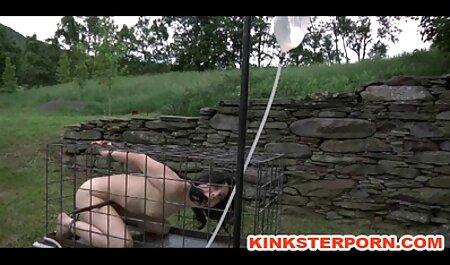 El hombre en colegialas teniendo sexo casero la webcam, conducir tetas en la polla