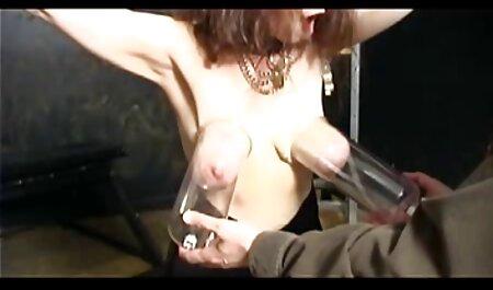 Marido martillea a una mujer en el culo delante xxx anal casero de una hermosa hija