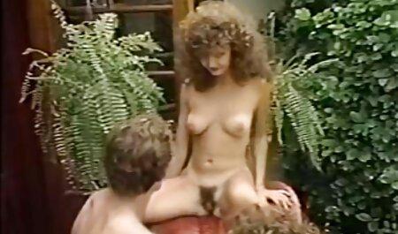 Hermosa chica masturbándose antes xxx salvaje casero