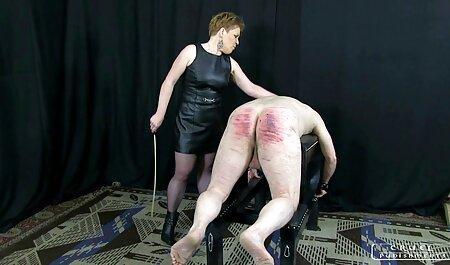 Tía tetona montando en su amante, en la posición de jinete videos caseros teniendo relaciones