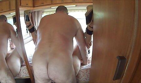 El actor también videos de sexo casero gratis lame la polla del director en el sofá