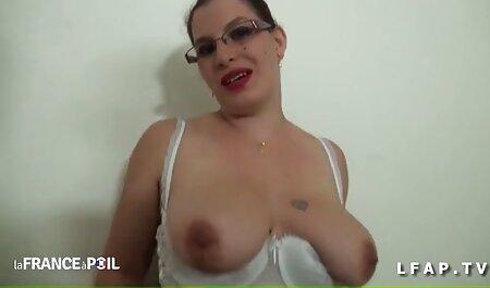 El gas en la Gasolinera dos sexso casero en español vaca joven emocionante que es hermosa en la tienda