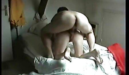Niñas diversión bufanda roja joven después de mejor sexo casero una ducha y coño