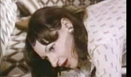 La rubia metió porrno casero gratis la mano en la vagina de una madre con una gran leche