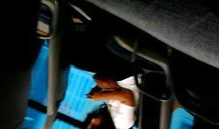Peluche rojo coño de su marido en la sala de estar xxx casero video