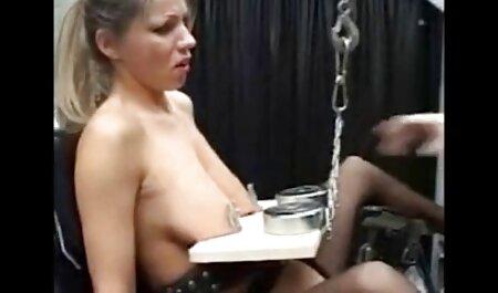 Los pornol casero hombres arrancan a las chicas delante de la cámara y llenaron su gorra con
