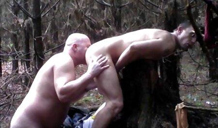 Adolescente el mejor video casero xxx tranquilo en el jardín