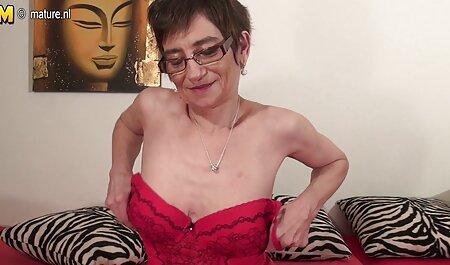Madura Medias grande pan con aceite y agitar en la sexogay casero webcam