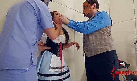Chmara llena de lujuria, Rachel James masturbándose el pie humano lo recogió sexo casero orgasmos y le dio Mamada